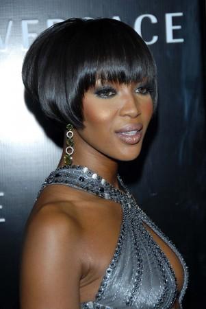 Naomi Campbell modela lencería