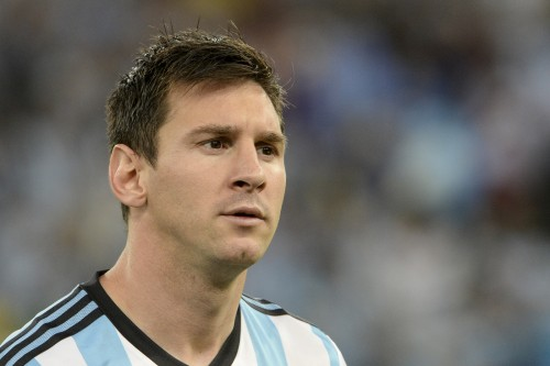 Hijo de Cristiano Ronaldo saluda a Messi