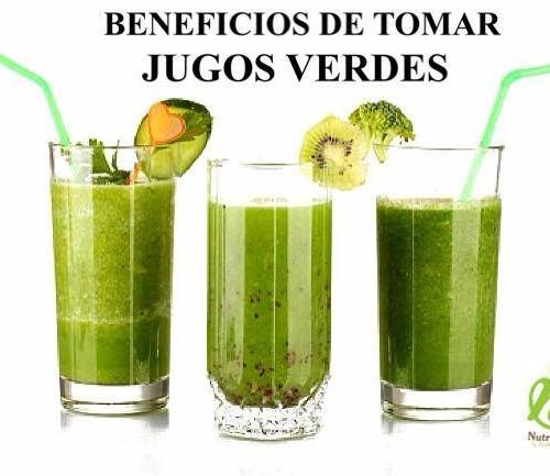 beneficios de tomar jugo verde