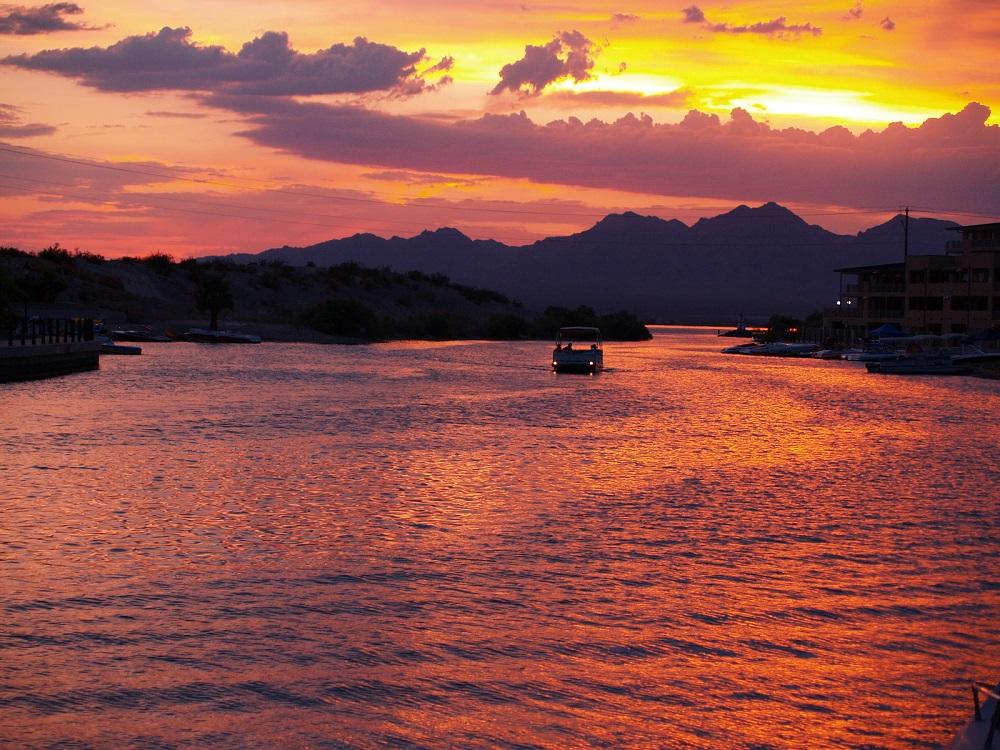 eventos de verano en el lago havasu