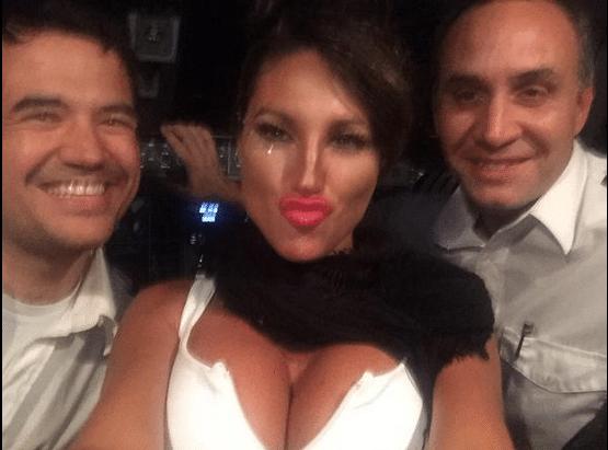 Viky Xipolitakis despega avión en Argentina