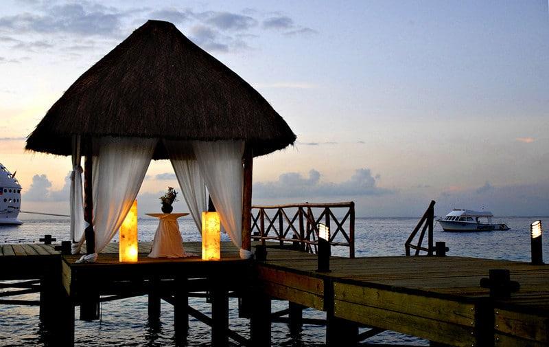 El lugar perfecto para llevar a cabo tu boda frente a las cristalinas aguas de Cozumel.