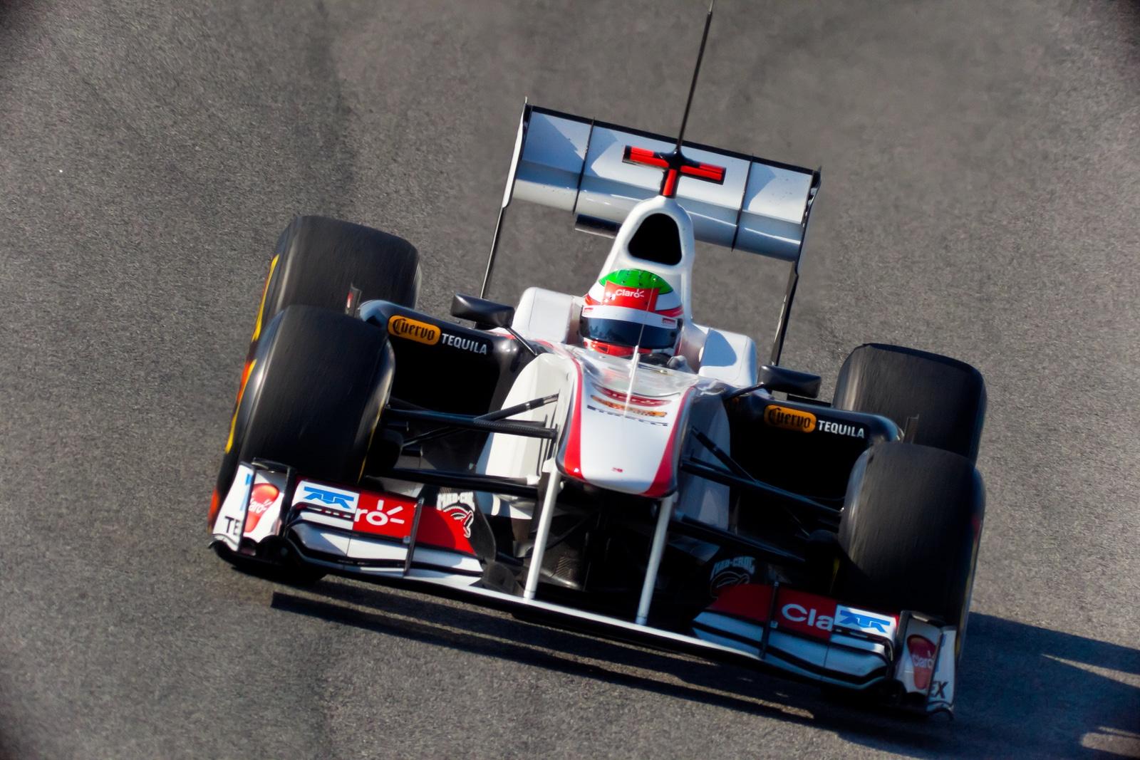 """El piloto mexicano Sergio """"Checo"""" Pérez logra subirse al podio en Bakú"""