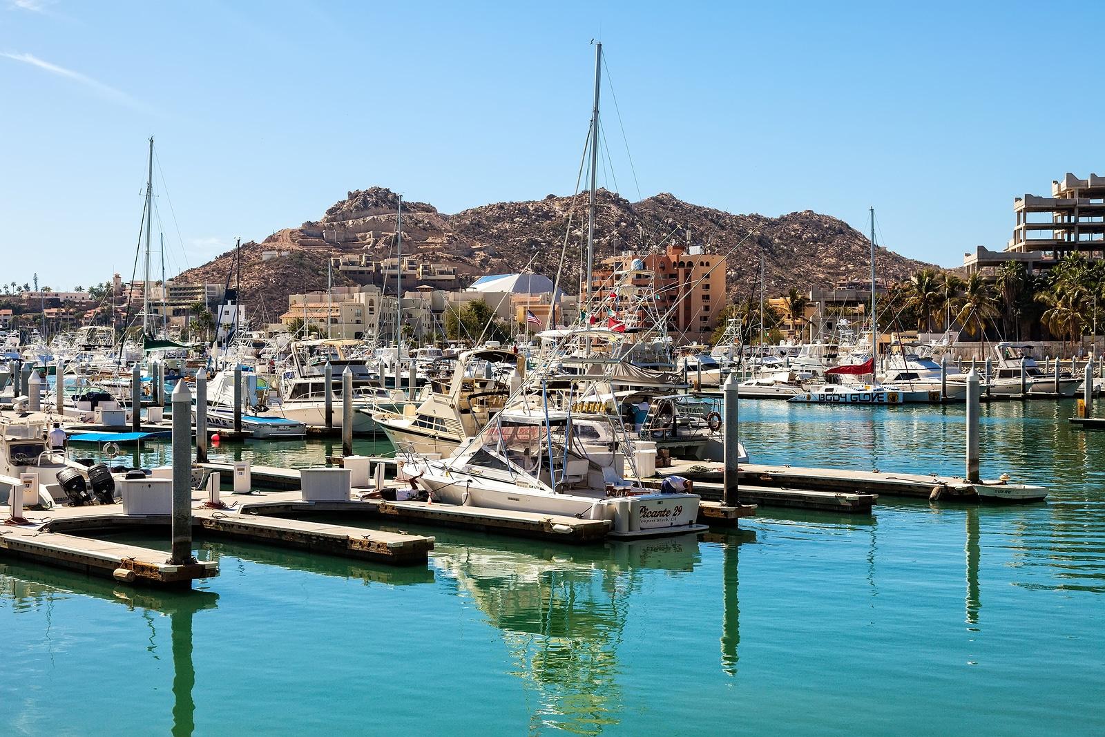Visite la Zona Dorada en la Marina de Cabo San Lucas