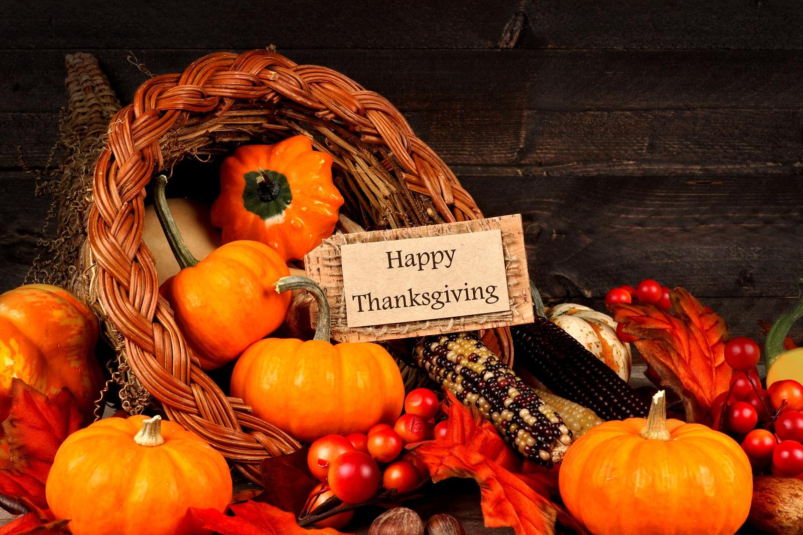 Holidays Lounge celebra el Día de Acción de Gracias en Massachusetts