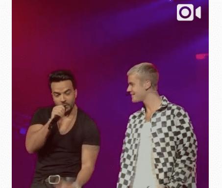 """Justin Bieber y Luis Fonsi cantando """"Despacito"""" en Puerto Rico"""