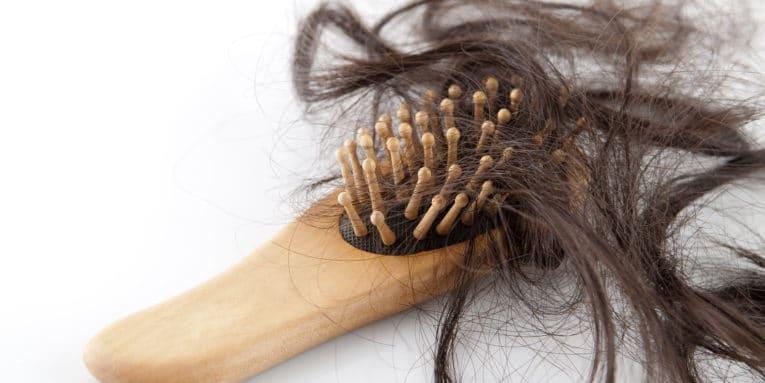 ¿Sufres de caída excesiva de cabello o uñas frágiles? Necesitas Biotina