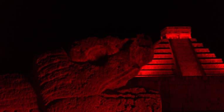 Explorers Travelers Club invita a los viajeros al paseo nocturno en Xcaret