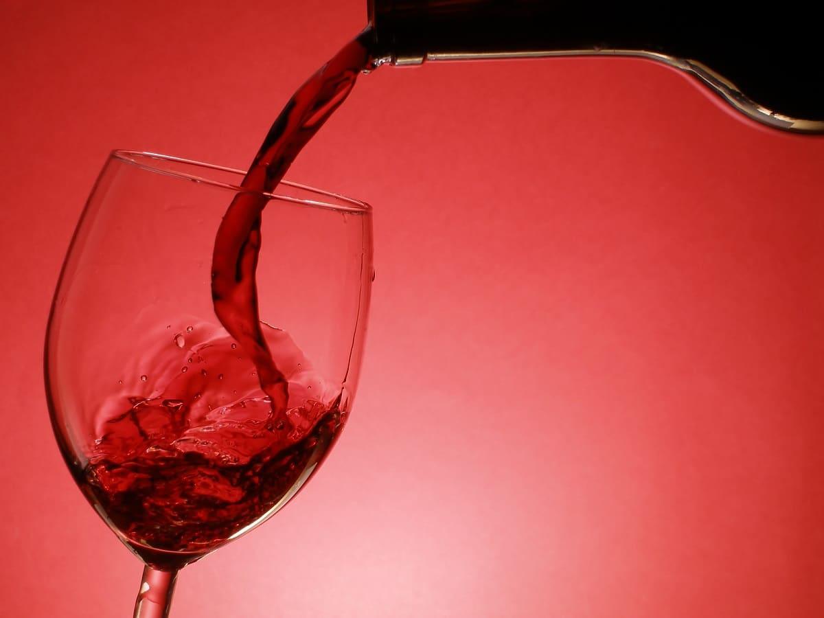 cuánto dura el vino tinto después de abierto