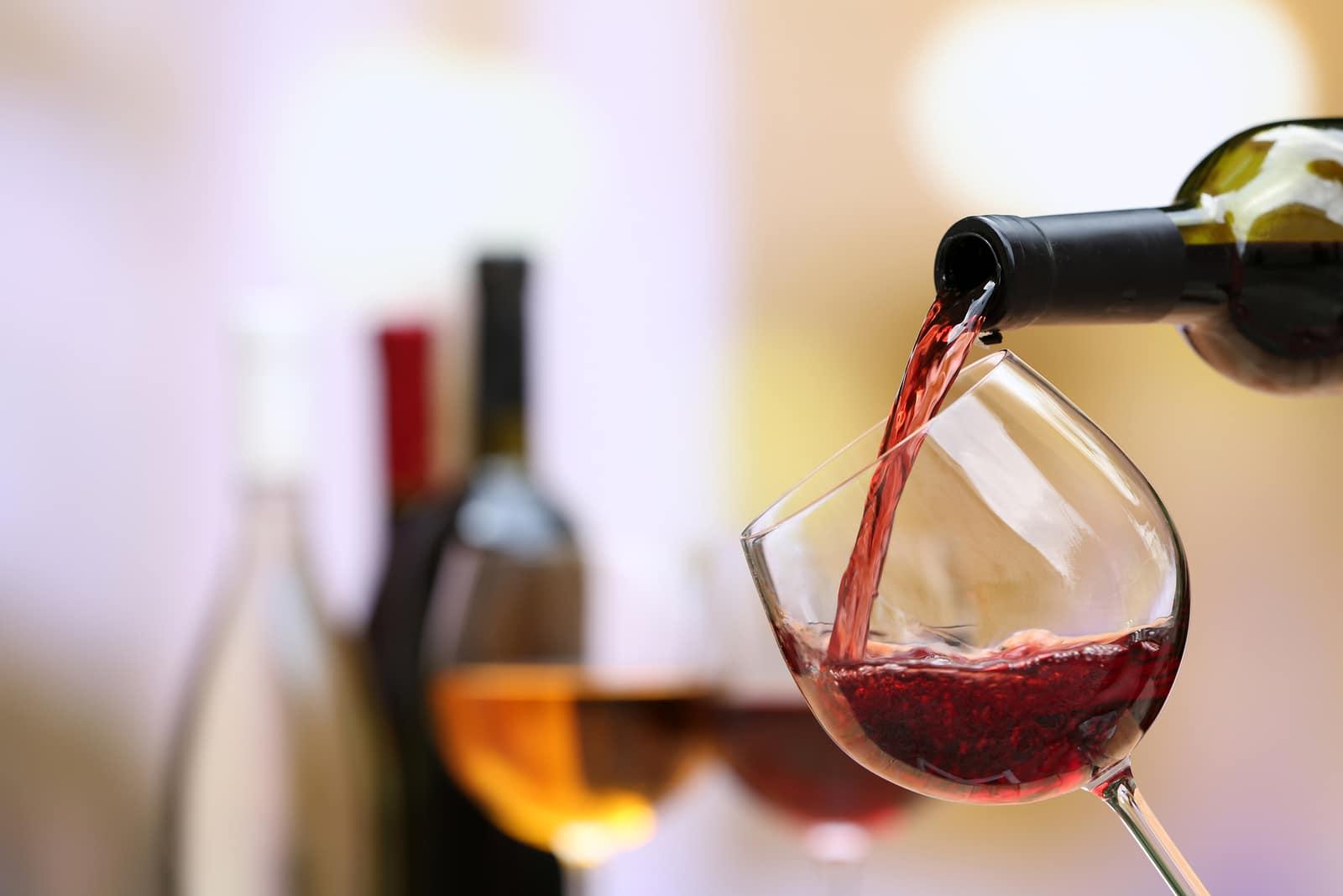 Conoce los beneficios de tomar vino tinto