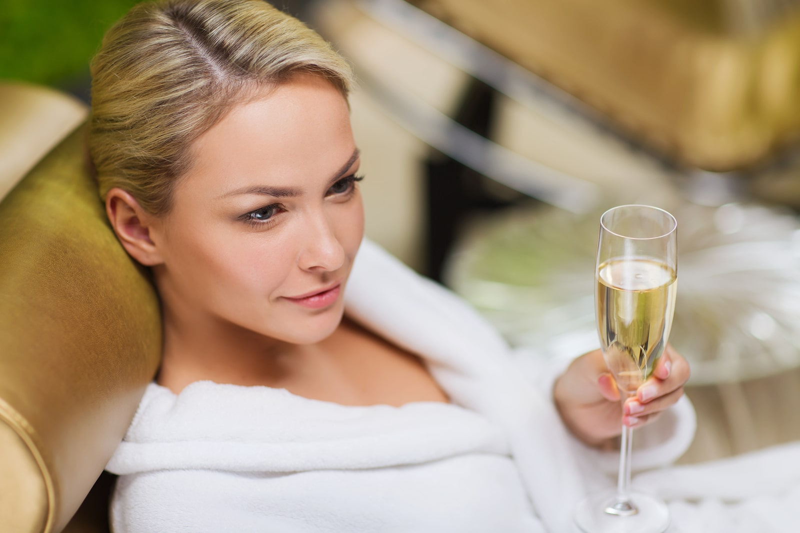 Conoce este beneficio de tomar champagne