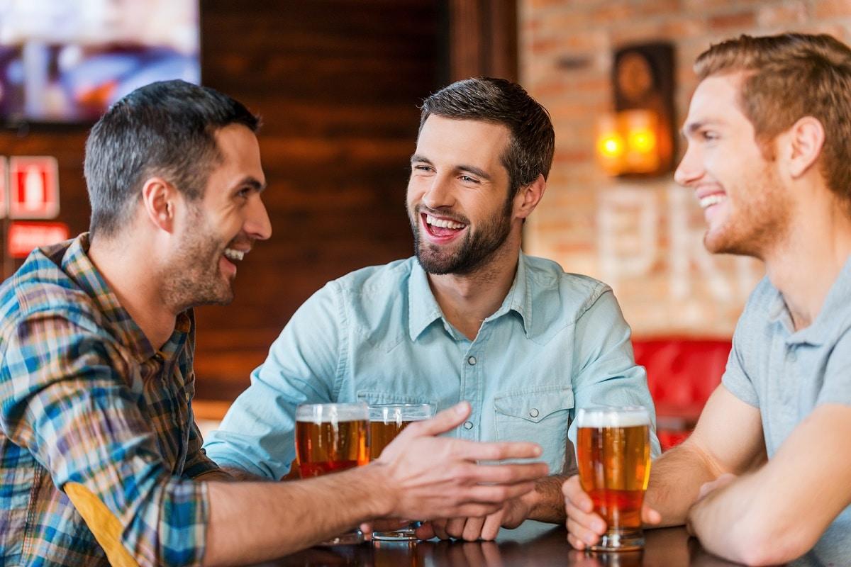 beneficios de divertirse con los amigos