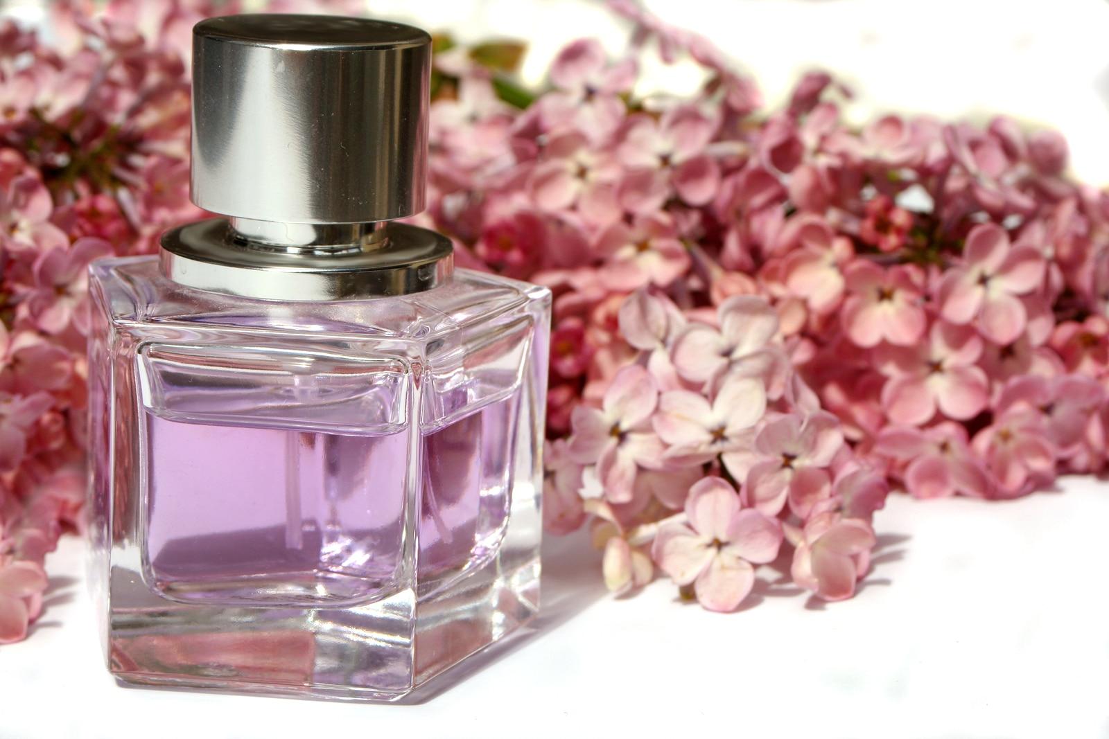 Trucos para que tu perfume se quede contigo todo el dia
