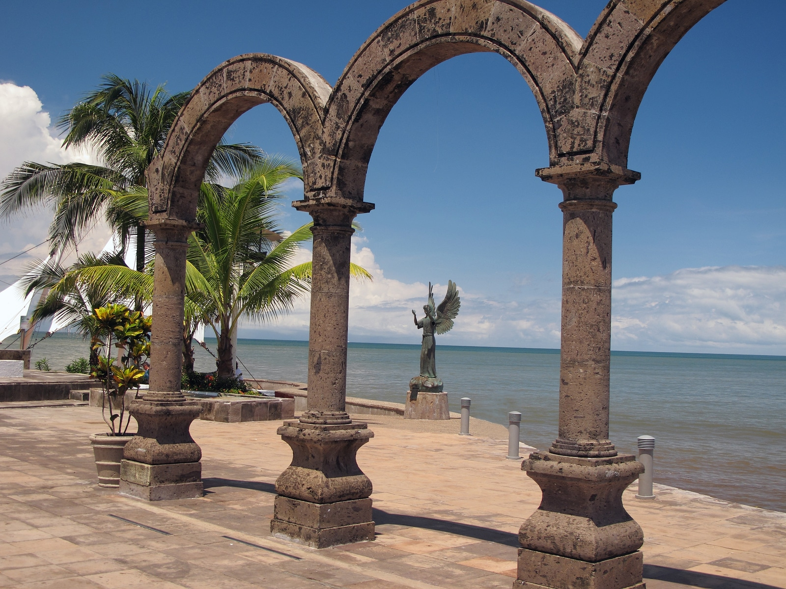 Visita Puerto Vallarta con Krystal International Vacation Club