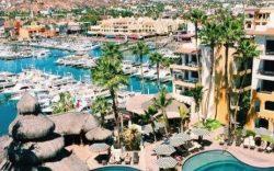 ¿Cuál es el hotel con la mejor ubicación en Cabo San Lucas?