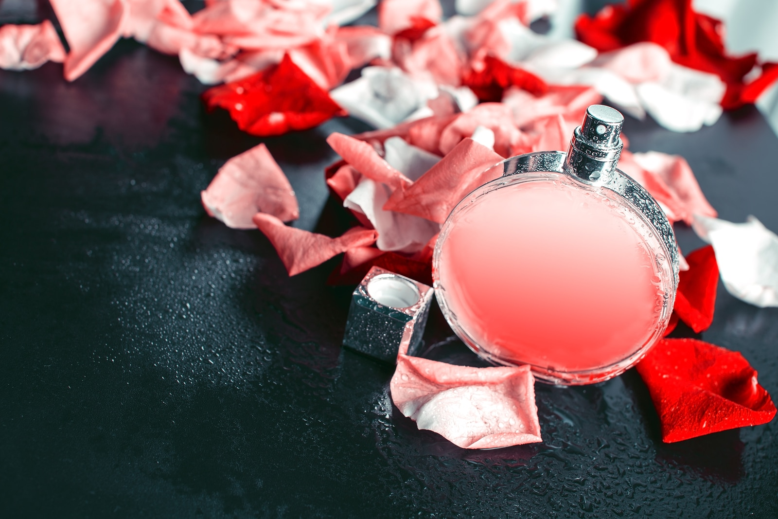 ¿Cómo lograr que un perfume dure más tiempo en la piel?
