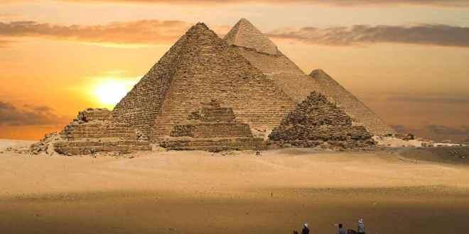 piramides de giza, pirámides de egipto, pirámides de giza características, origen de las pirámides de egipto, como se construyeron las pirámides de egipto, pirámide de keops en egipto
