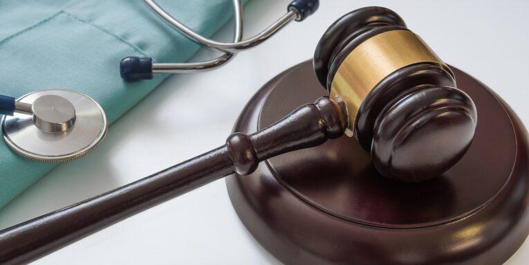 negligencia médica, tipos de negligencia médica, que hacer en caso de negligencia médica, negligencia médica código penal, demanda por negligencia médica