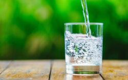 como mejorar tu consumo de agua, cómo mejorar el consumo de agua, tips para promover el consumo de agua, como tomar mas agua, cuánta agua debo tomar, recomendaciones para tomar agua