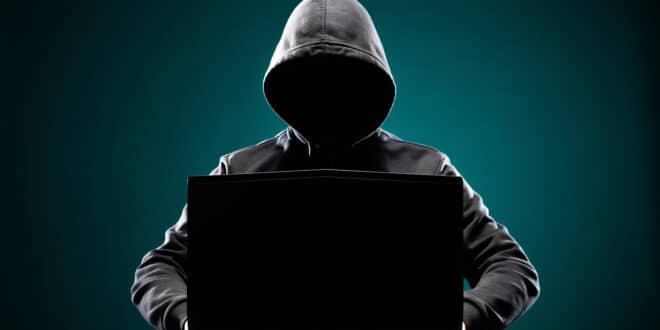 hackers de las redes sociales, como proteger mi celular de hackers, como proteger mis redes sociales de hackers, tips para proteger mis redes sociales,