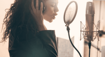 errores que debes evitar al grabar tu propio álbum, errores al grabar música, grabar audio profesional, consejos para grabar una cancion, proceso de grabación de una canción, como grabar una canción en casa